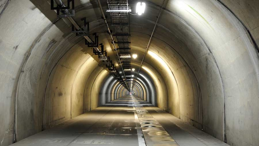 高速道路|非常口|避難抗|緊急避難路|非常階段|災害|防災|関越トンネルの避難抗|