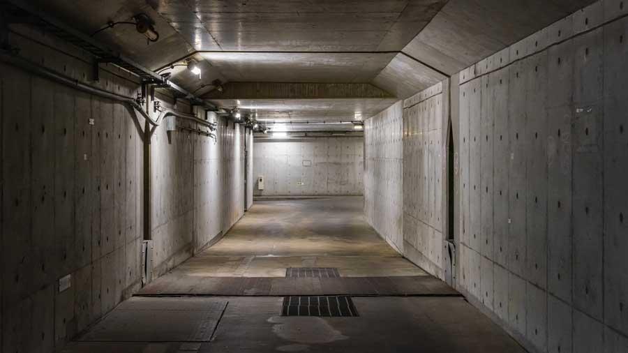 高速道路|非常口|避難抗|緊急避難路|非常階段|災害|防災|アクアトンネルの緊急避難路1|