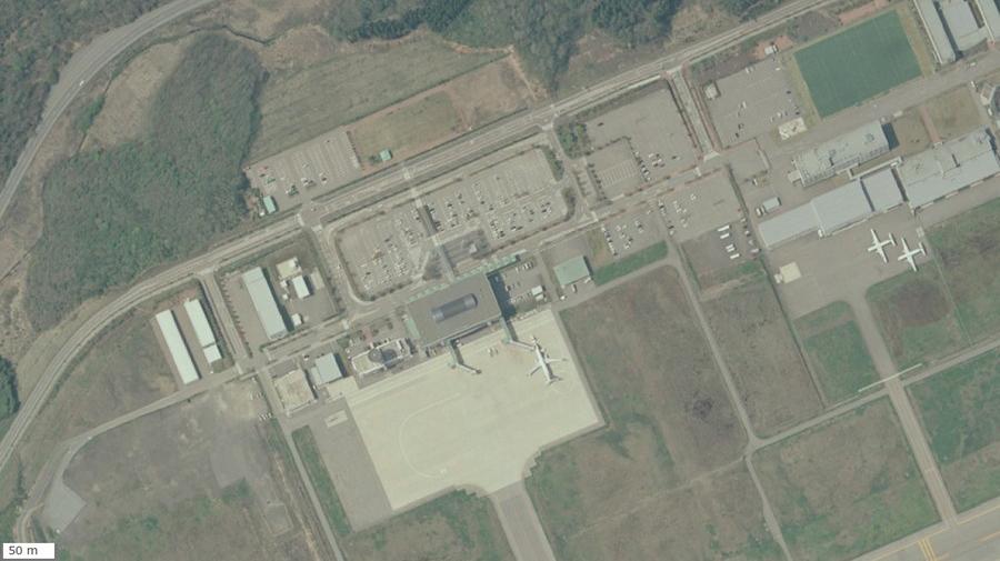 「防災道の駅」に選定された道の駅「のと里山空港」の航空写真(国土地理院)